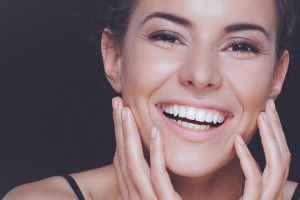 The best way to brighten a smile is with teeth whitening from your cosmetic dentist at iSmile Dental Arts.